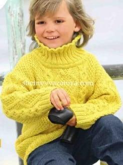 Детский пуловер с косами и жемчужным узором