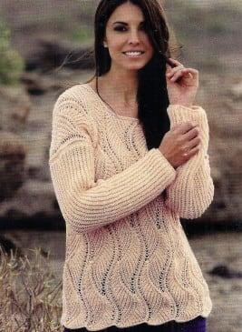 Пуловер полупатентным и рельефным узором