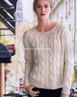 Пуловер арановыми узорами