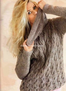 Пуловер узором коса с большим воротником