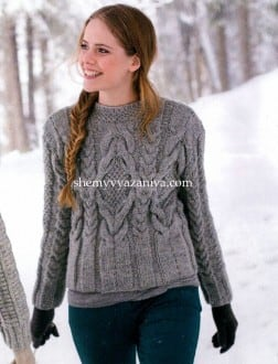 Серый пуловер узором косы