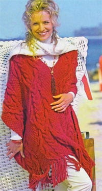 Красное пончо с косами